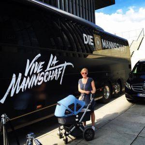 Mummy und der Mannschaftsbus